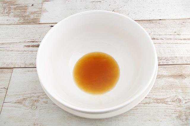 「鶏塩ベースに魚介や野菜の旨みスープ
